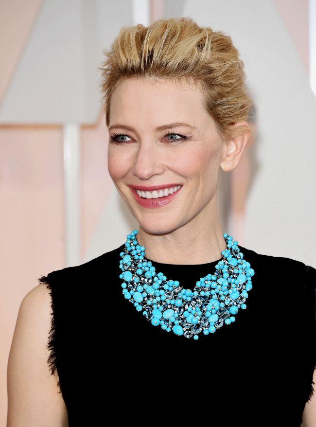 Presenter 2 Cate Blanchett in a turquoise, aquamarine and diamond necklace from the 2015 Tiffany Blue Book collection at the 87th Academy Awards®, February 22, 2015