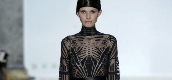 Haute Couture Trend: Body Conscious