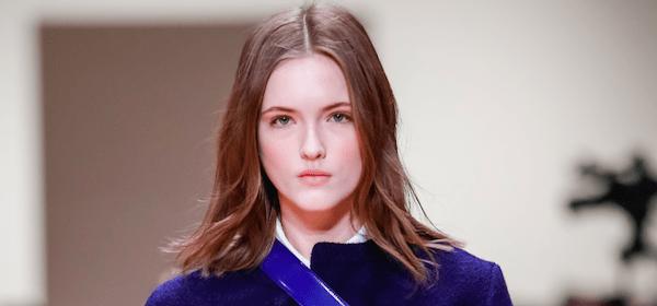 Die schönsten Kombinationen in Blau von den Fashion Weeks