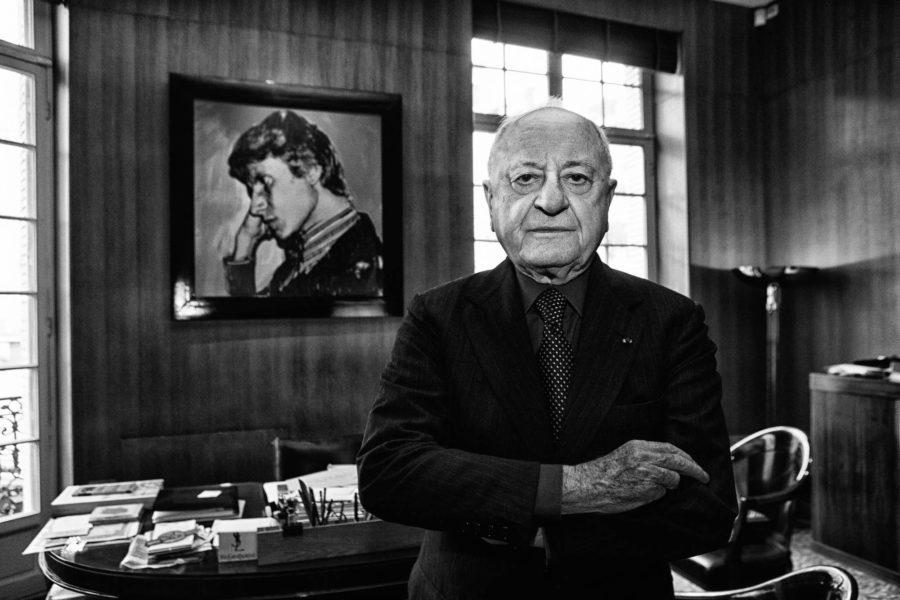 """""""Mein Leben ist leer seit dem Tod von Yves"""": Trotzdem wurde der Nachlassverwalter Pierre Bergé, hier wenige Monate nach dem Tod Yves Saint Laurents im Jahr 2008, zum Nachlassverkäufer."""
