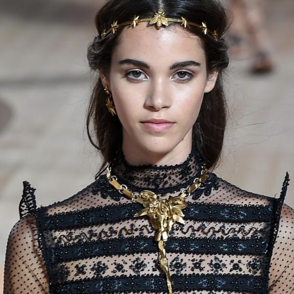 Haute Couture Trend: Oben in Spitze und Schwarz
