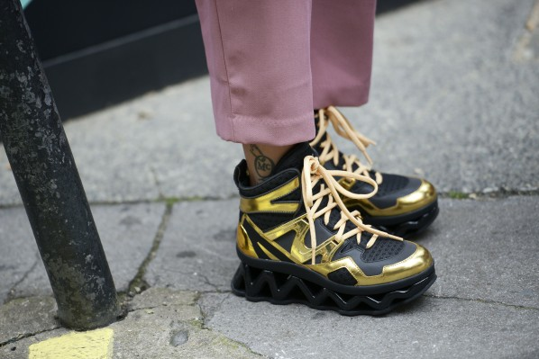 Sneaker gold black Modepilot Streetstyle London