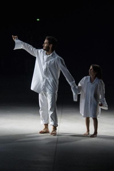 Simon Porte Jaquemus hat sich auf emotionale Shows spezialisiert. Dazu passt der Traumtänzer-Look.