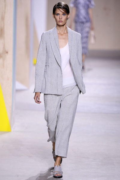 Leichter Sommer-Anzug von den Business-Look-Experten aus Metzingen: Boss Women by Jason Wu