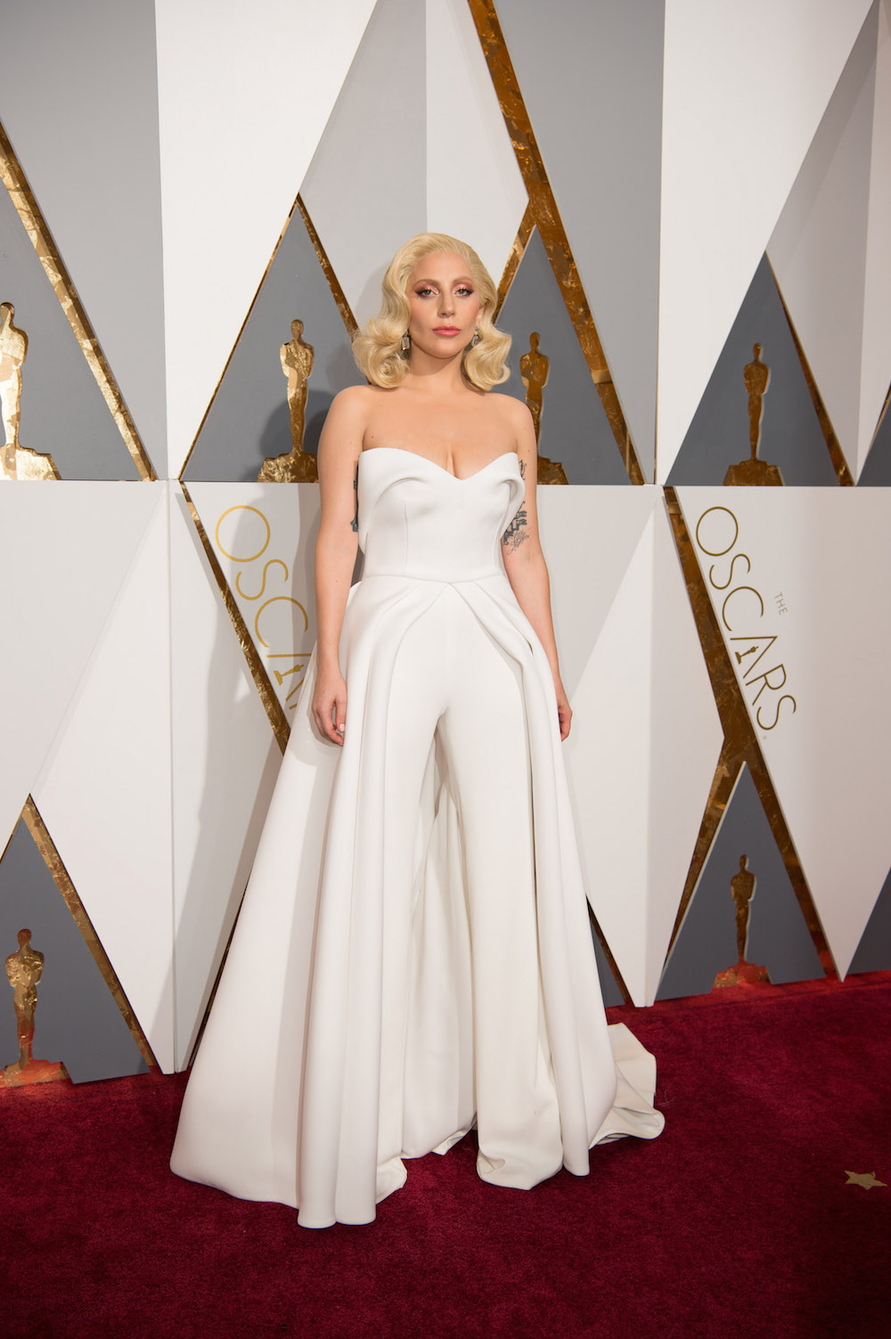 Lady gaga oscars 2016 dress red carpet designer modepilot