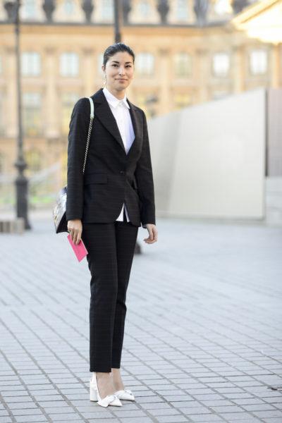 Carolina Issa liegt selten daneben und weiß, was ihr steht. Anzüge sind bei Frauen ohnehin aktuell ein Trend.