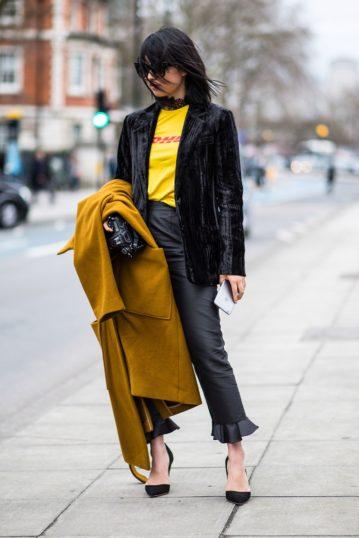 Margaret Zhang im DHL-Shirt von Vetements