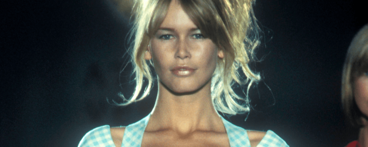 Claudia Schiffer Gianni Versace 1994 Catwalk Runway Modepilot Frosted Lips