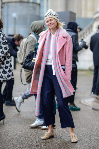 Stylistin Elisa Nalin bleibt ihrem Stil treu und trägt immer Bonbon-Farben und gute Laune.