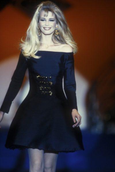 Und wieder Claudia Schiffer für Gianni Versace, 1992