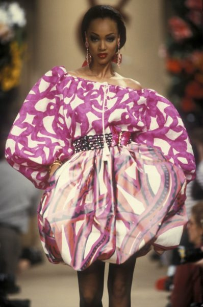 Model Tyra Banks für Yves Saint Laurent, 1992
