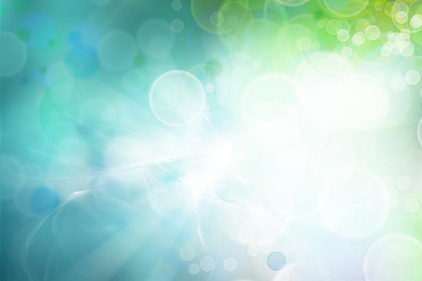 Eyeliss: Der Peptidmix Eyeliss gehört zu den innovativsten und effektivsten Wirkstoffen gegen das Phänomen der Tränensäcke. Speziell für die Anforderungen der empfindlichen Haut um die Augen entwickelt, stärkt Eyeliss die mit dem Alter durchlässig werdenden Kapillarwände und hemmt so das Aufschwemmen des Gewebes durch austretende Flüssigkeit. Gleichzeitig werden die Lymphfollikel zu einer besseren Drainage überschüssiger Gewebeflüssigkeiten angeregt.
