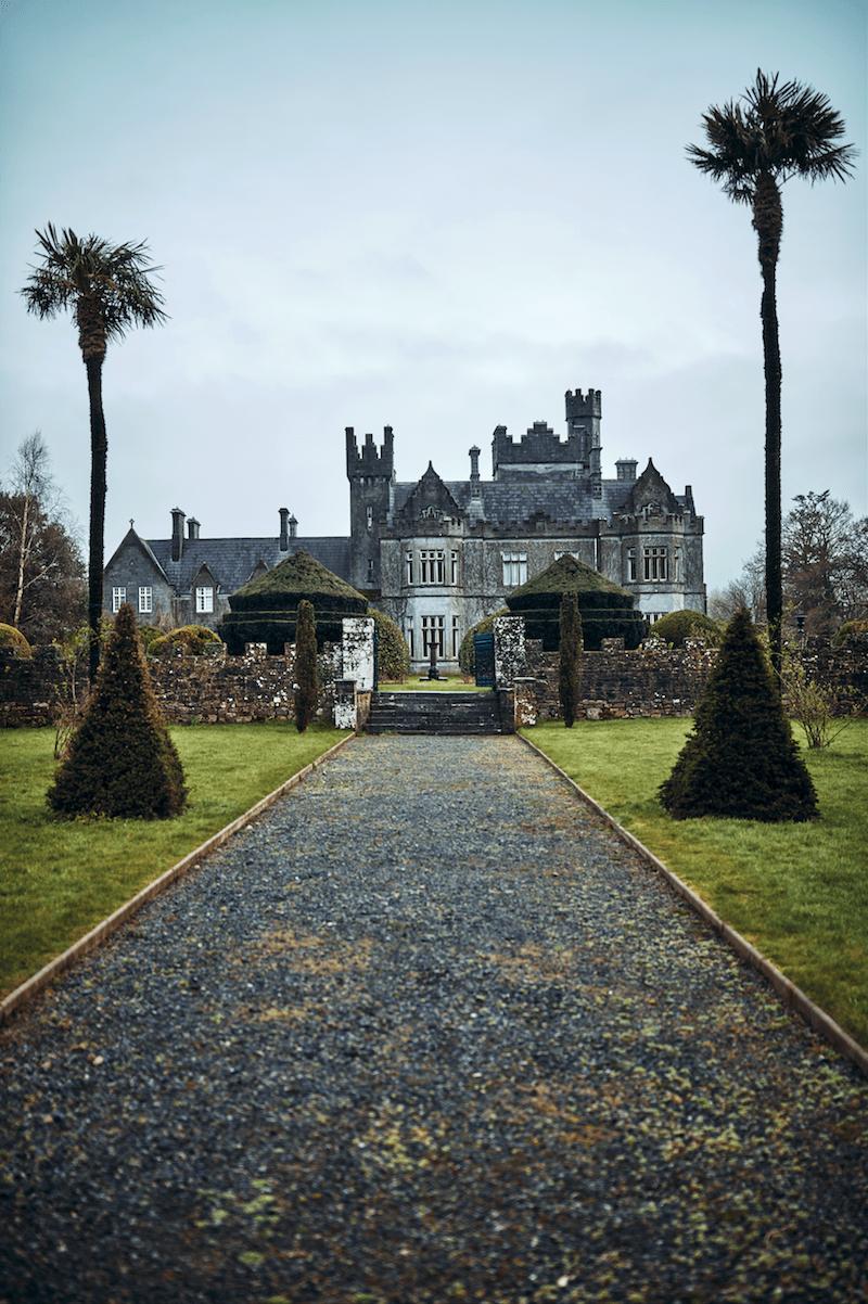 Helnwein Schloss Burg Irland Modepilot