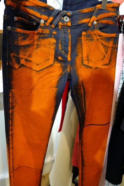 Cool, cool, cool. Die kommende Courrèges Kollektion steckt voller cooler Sachen, aber die Hose ist der Eyecatcher schlechthin.