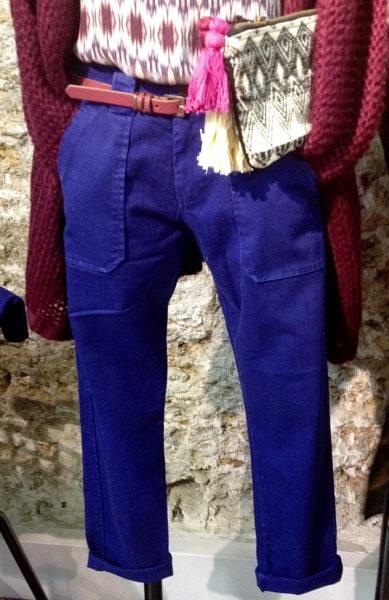 Die Hose möchten wir alle schon für den Sommer. Lässige Dreiviertel-Hose von Le Temps des Cerises.