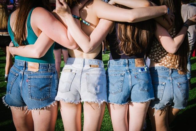 Coachelle Look style Jeans modepilot