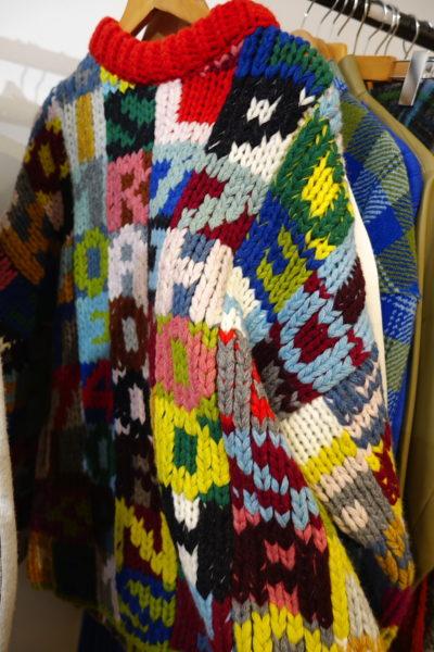 Chunky Knit zum Alphabet-lernen: Buchstabenpulli von Joseph. Den sehe ich schon jetzt an Chiara Ferragni.