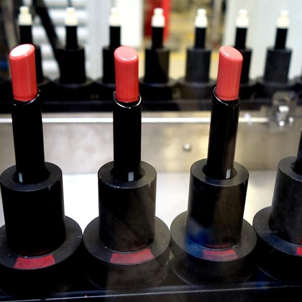 Blick hinter die Kulissen: Guerlains Make-up Fabrik