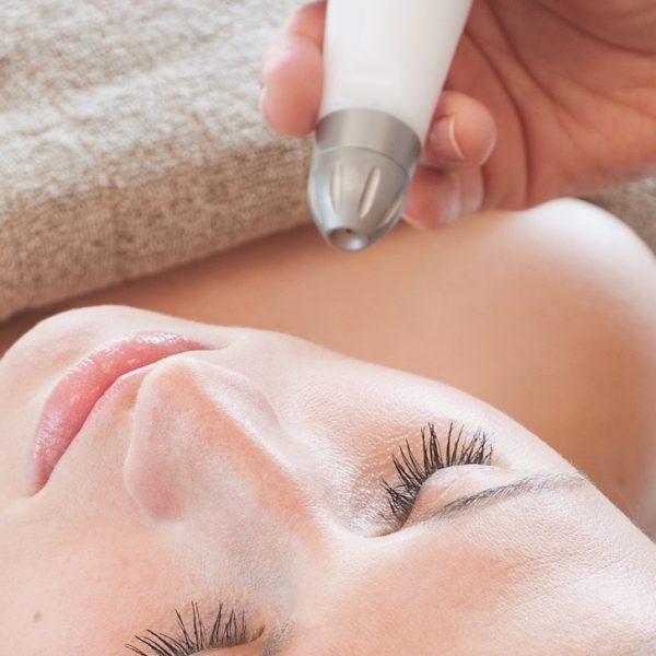 Faltenfrei durch Druckluft statt Botox