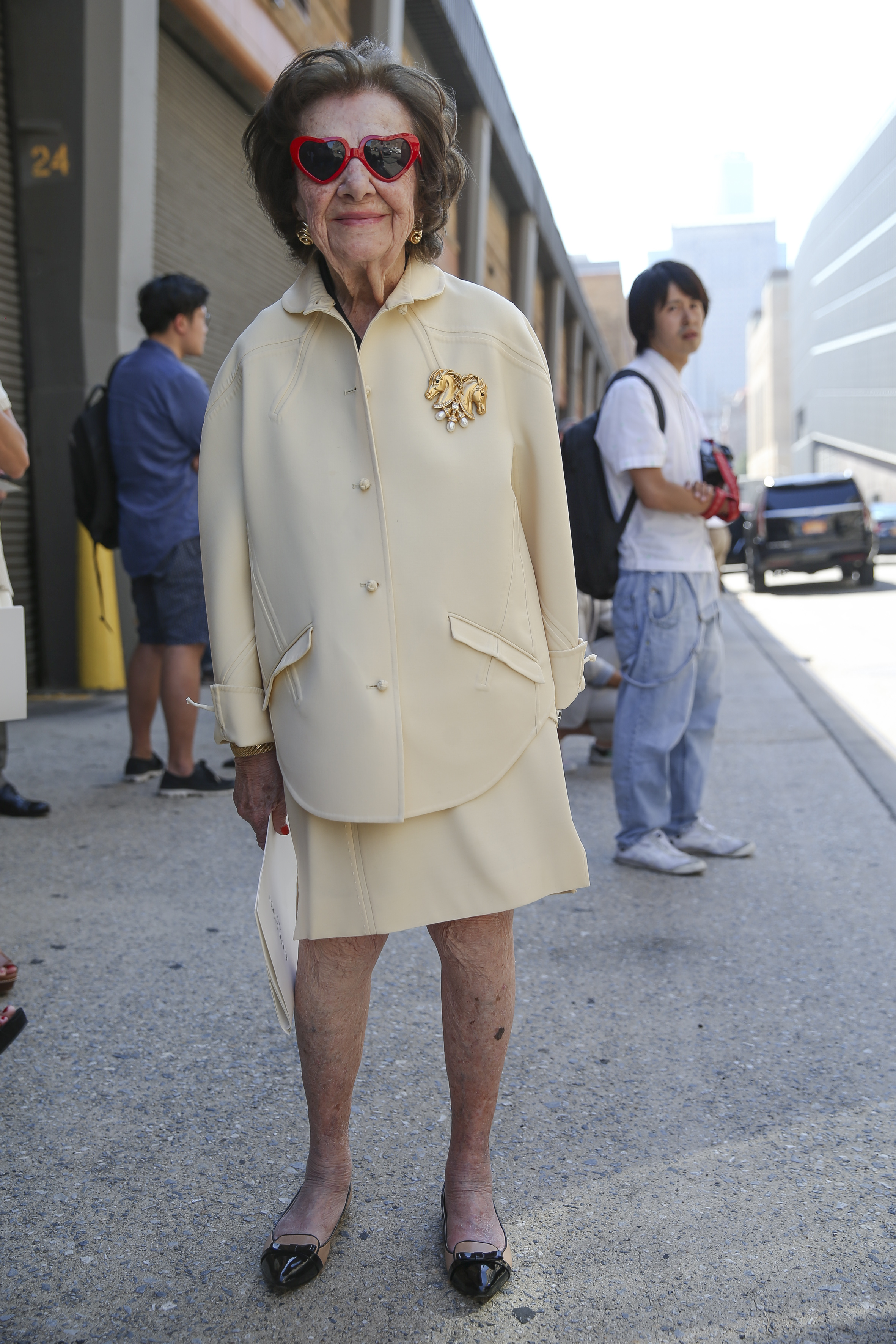 streetstyle lady new york granny classy