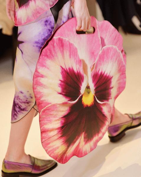 Christopher Kane Pansy Bag Modepilot Stiefmütterchen