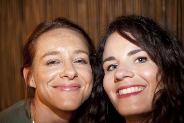 Kathrin und Isabelle Pigmentflecken Urlaub Modepilot