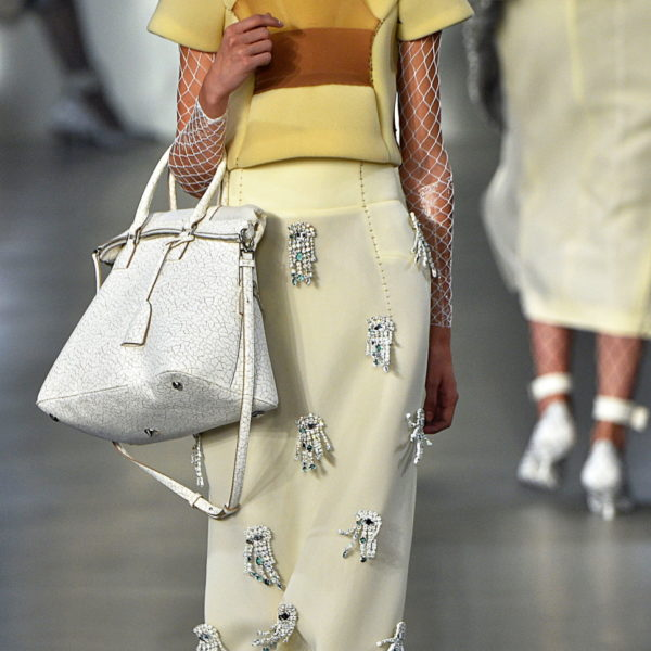 Die schönsten Midi-Röcke (fürs Büro)
