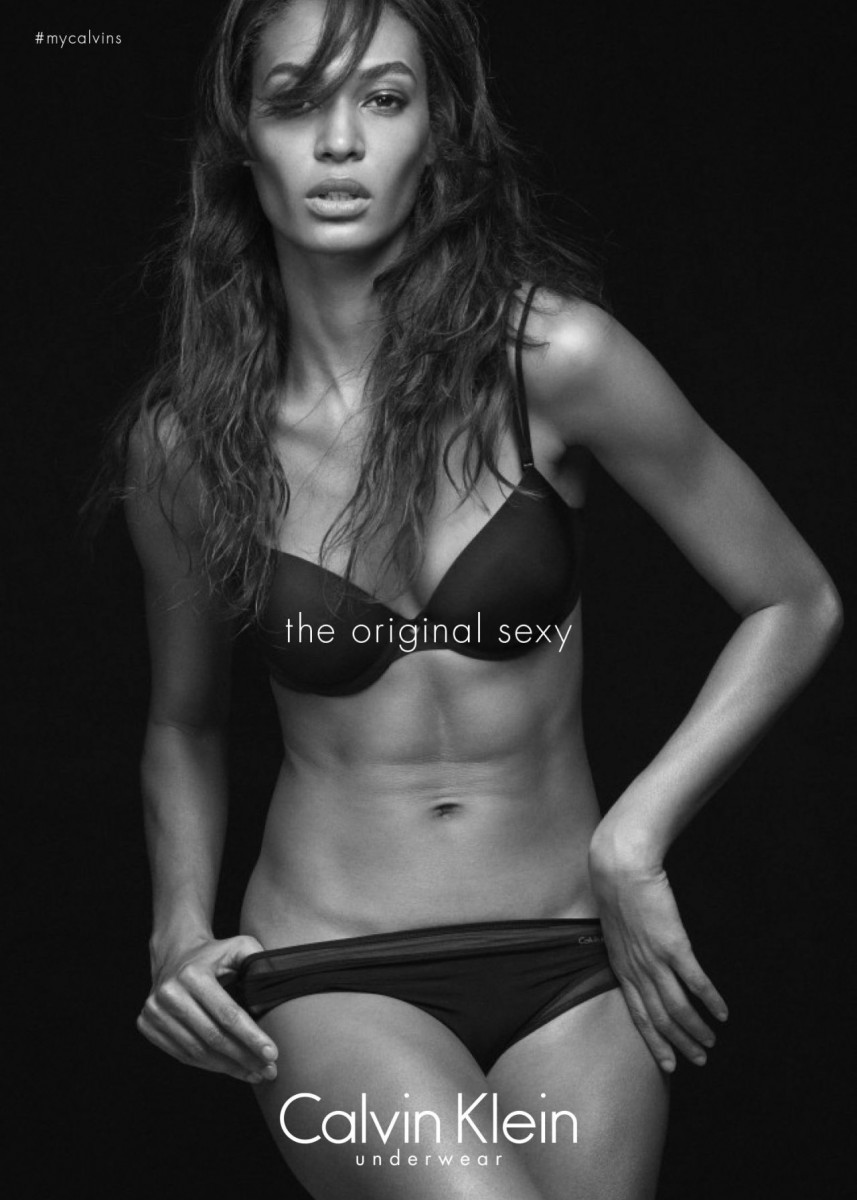 Joan Smalls calvin Klein