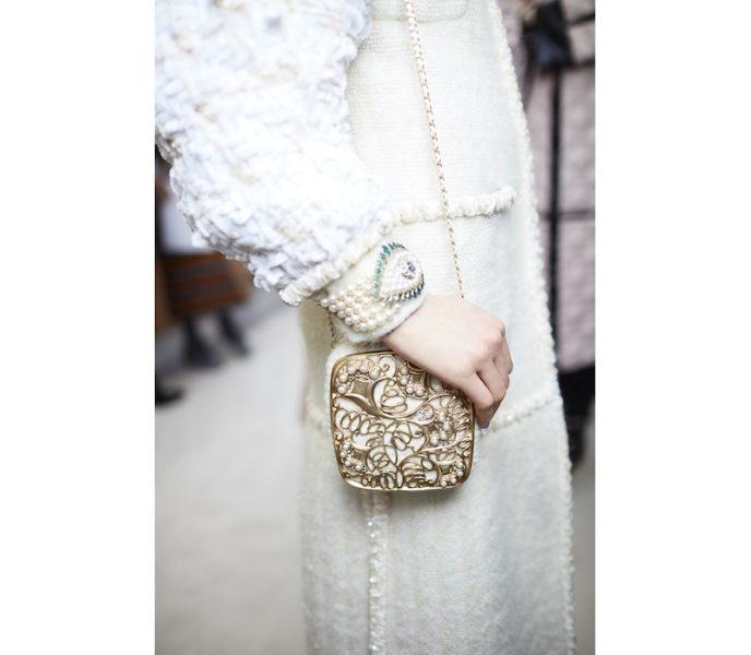 Eine herrliche dekadente Prinzessinentasche. So delikat, dass sie mehr wie ein Schmuckstück wirkt.