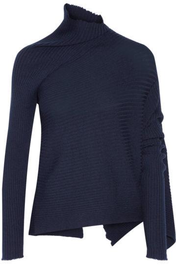 dieser asymmetrische Pullover aus kuscheliger gerippter Wolle