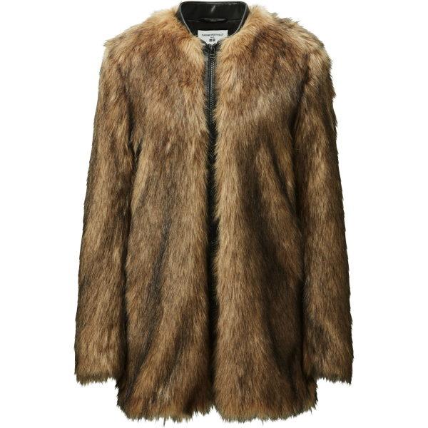 Hier kommen wir zum Billig-Fake Fur. Das sah nicht gut aus.