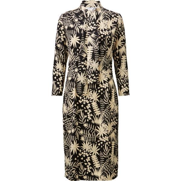 Das Kleid war in den ersten 10 Minuten nach Ladenöffnung komplett weg. Man muss nicht mehr sagen.