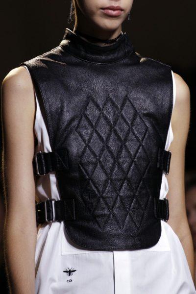 Christian Dior: Hier ist die Inspiration aber der Stichschutz der Florettfechter