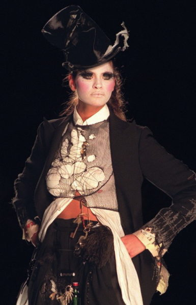 Dior by John Galliano 2000: von Pennern inspiriert