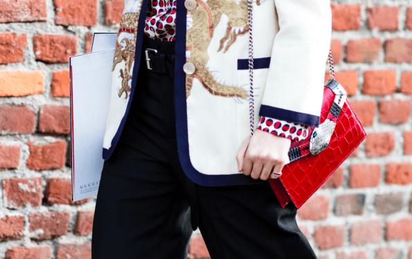 Handtaschen tragen im Laufe der Zeit Modepilot 80er 90er 00er heute