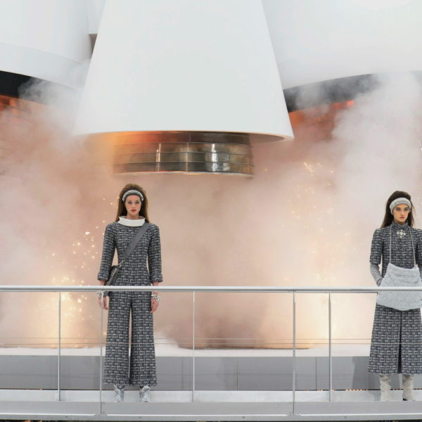 Chanel Ground Control: Modische Analyse