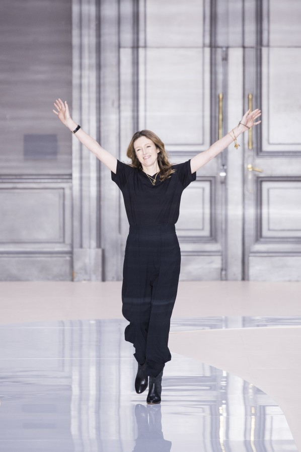 Chloe Clare Waight Keller Winter 2016 Catwalk Bow