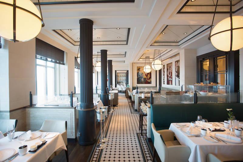"""Das französische Gourmet-Restaurant """"Tarragon"""": Anne und ich empfehlen die Austern und den Hummer"""