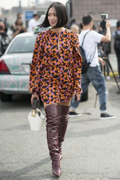 Mytheresa.com-Einkäuferin Tiffany Hsu in einem Outfit von Magda Butrym bei der Coach Fashion Show in New York