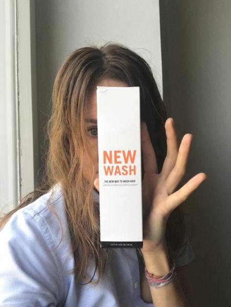 Beim Lufttrocknen mit New Wash: Die Verpackung (und auch das Fläschchen) wurden beim Versand etwas demoliert