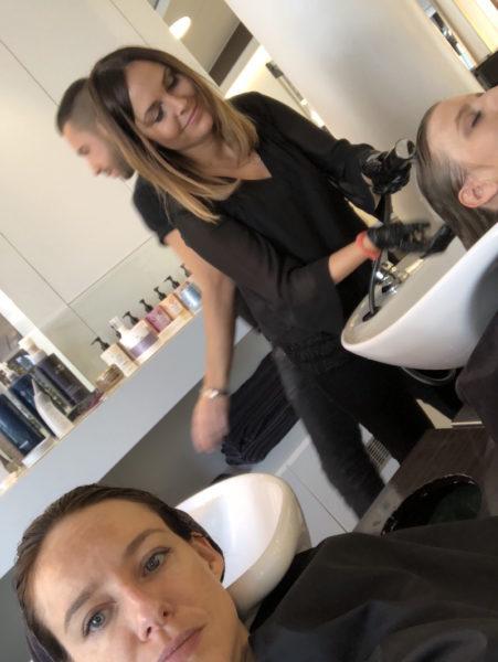 Waschbecken-Selfie von Vivi und mir