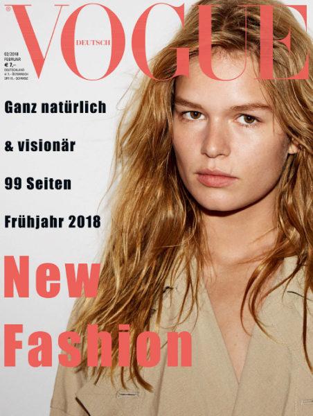 Model Anna Ewers