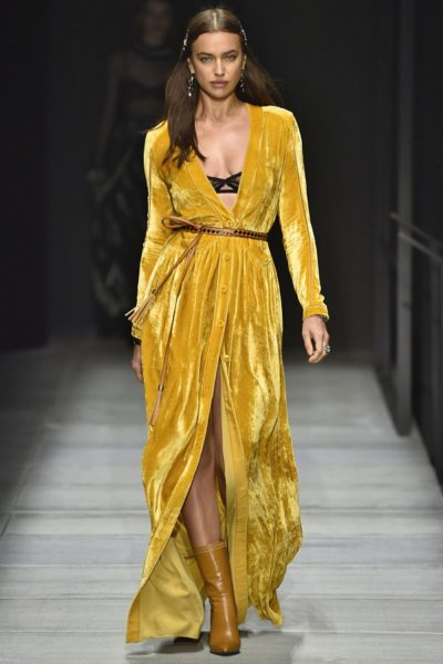 … getragen von Irina Shayk  in New York