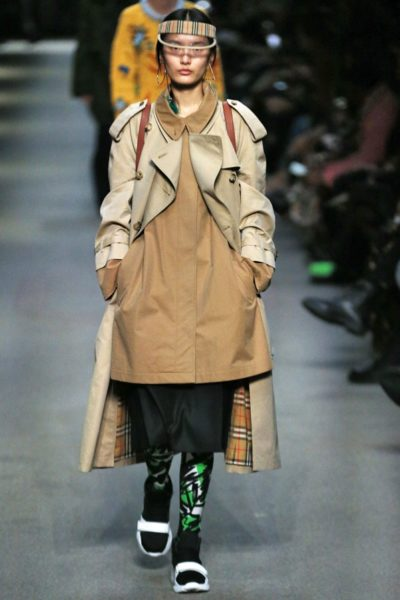 Doppelter Trench bei Burberry