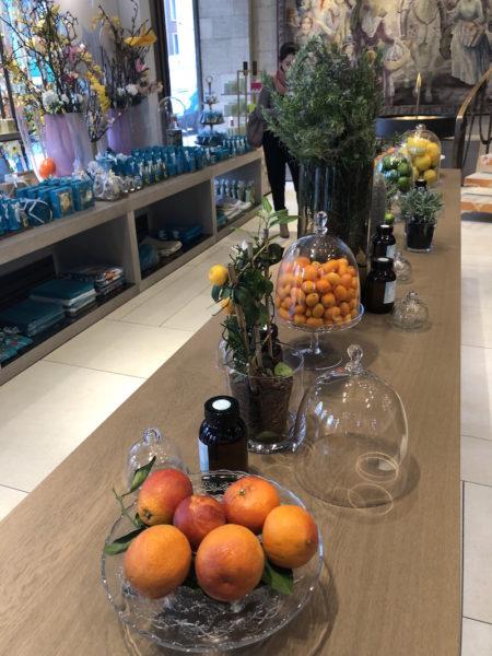 Die Zutaten: Orangen, Orangenblüten (Neroli) und alles Grüne von der Bitterorange (Petitgrain)