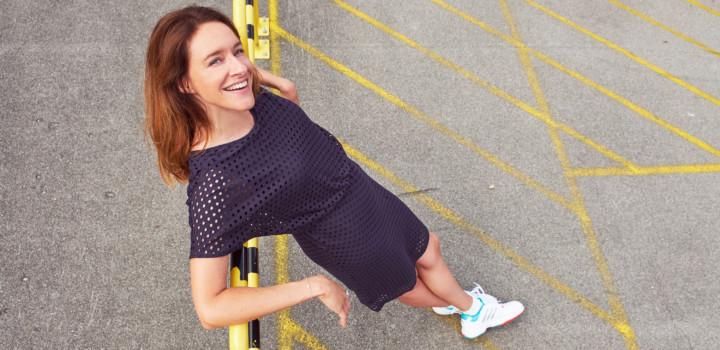 Sommeroutfits 2018: Jerseykleid zu Tennissocken