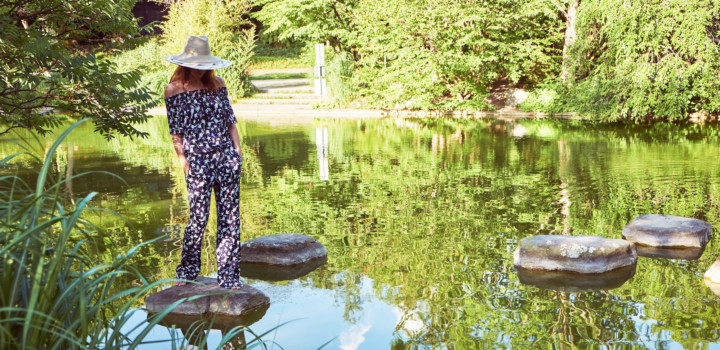 Outfit: Tukan-Print (bereits im Sale 🤑) und Strohhut für den Urlaub