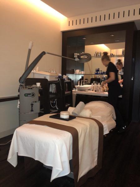 Die Behandlungskabine im Dolder Grand mit Kosmetikerin Kim