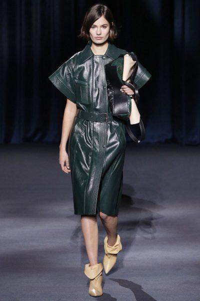Dieses grüne Lederkleid ist eines meiner Favoriten (Givenchy)