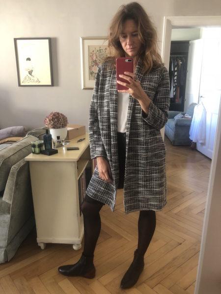 Mit Lederschuhen von Marsèll und langer Zara-Strickjacke
